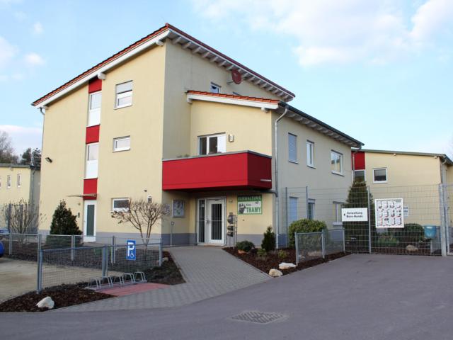 Wohnhaus und Verwaltung Eingang
